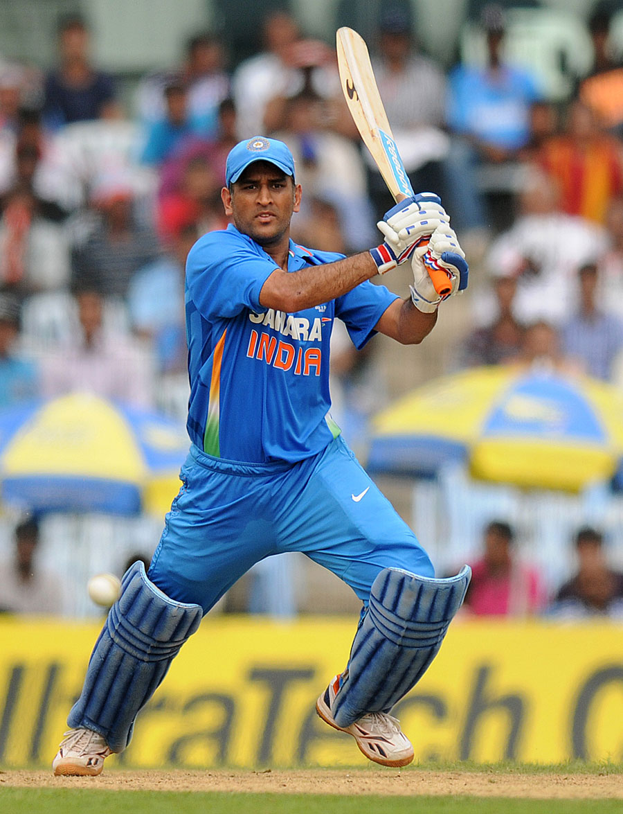 Ms dhoni net worth and earning with cars images a sports news - Transformation Of Ms Dhoni From Captain Cool To Captain Committed Zakhas Com Online Breaking News